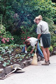 tips to prevent pain & aches gardening