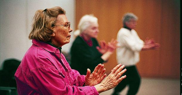 ladies performing T'ai Chi
